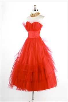 1950s vintage prom dress ~cherry bomb~ I want to wear this dress at the prom'
