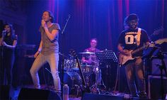 Bowe in Luxor Live met Memru Renjaan, Debrah Jade, Florian Hoefnagels, Maarten Helsloot en Danny Samar