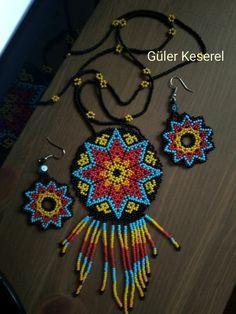 Bead Loom Designs, Crochet Earrings, Beaded Necklace, Native American Beading, Shakira, Loom Beading, Seed Beads, Chokers, Messages