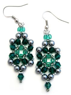 Be Jeweled Earrings - Item Number 17968 (free pattern)