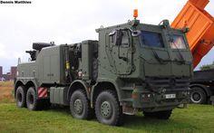 that_s_one_badass_tow_truck_by_mechanicman-d6t908e.jpg (1024×640)