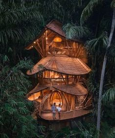 15 Treehouse Retreats For A Terrific Eco-Retreat Experience Tree House Resort, Peru Image, Fall City, Treehouse Hotel, Jungle House, Bali Travel Guide, Cool Tree Houses, Tropical Architecture, Bamboo Architecture
