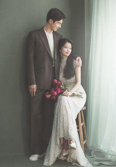 Pre Wedding Poses, Wedding Picture Poses, Romantic Wedding Photos, Funny Wedding Photos, Pre Wedding Photoshoot, Wedding Couples, Korean Wedding Photography, Wedding Couple Poses Photography, Photography Photos