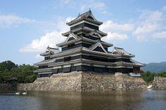 Contemplación de la luna de otoño en el castillo de Matsumoto