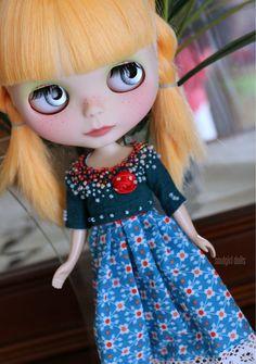 OOAK Custom Blythe doll Alice Custom 212 Layaway par Soulgirldolls, in a dress of mine.