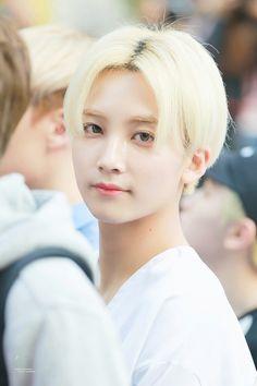 Jeonghan, aaa, handsome  (づ ̄ ³ ̄)づ [SEVENTEEN]