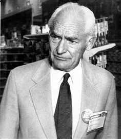 a biography of sam walton the founder of wal mart It all began in a small store in arkansas aida edemariam four of the world's top 15 billionaires are from one family so who are the waltons  sam walton, the founder of wal-mart.