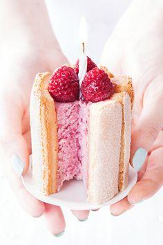 Cro'K'Mou - Blog culinaire - Food & Photography: Minis charlottes aux framboises {pour un Noyeux Zanniversaire !}