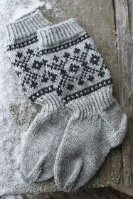 Knitting Blogs, Knitting Charts, Knitting Socks, Knitted Hats, Mitten Gloves, Mittens, Wool Socks, Fair Isle Knitting, Colorful Socks