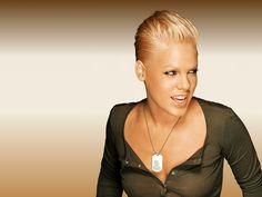 Google Image Result for http://www.confrontmagazine.com/wp-content/uploads/2012/09/Pink_Singer.jpg