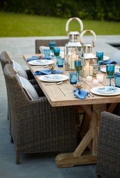 Our Hyde Park Outdoor Dining Collection creates an immensely striking, comfortable, and durable outdoor living area to both admire and reflect its surrounding beauty. Inspired by the whitewashed hues of classic European-country style, the collection features an elegant weave of all-weather, ocean-gray wicker. | Frontgate: Live Beautifully Outdoors