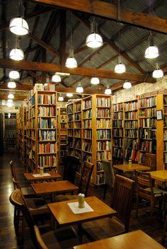 Berkelouew Bookstore, Newtown