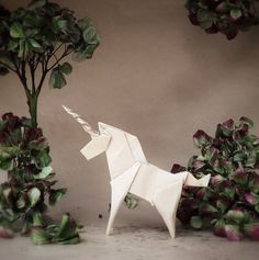"Origami unicorn. ""It is fascinating that there is almost no limit to the shapes you can turn a flat paper into."" - via LA76 Design & Travel blog: Enchanting Origami World by Wenche Lise Fossland: http://blog.la76.com/2015/06/enchanting-origami-world-by-wenche-lise-fossland/?utm_content=buffer34f07&utm_medium=social&utm_source=pinterest.com&utm_campaign=buffer #origami #suckersfororigami #origamiart #origamiworld #paper #paperart #folding #unicorn"