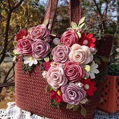 Tapestry Crochet Patterns, Crochet Flower Patterns, Crochet Designs, Crochet Flowers, Crochet Doilies, Crochet Tote, Crochet Handbags, Crochet Crafts, Crochet Sunflower