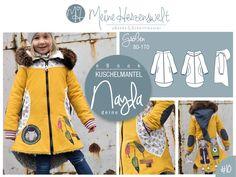 Jetzt wird´s gemütlich. Nayla ist ein leicht taiIlierter und ausgestellter Mantel, der als Übergangsmantel aber auch als dick gefütterter Wintermantel oder leichter Frühlingsmantel genäht werden...