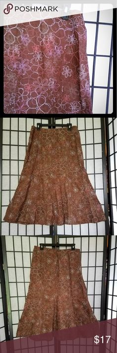 "Kim Rogers 100% Linen Floral Embroidered Skirt I just never wear it anymore. Still in excellent condition. Fits a bit straight them starts a bit of a flare at the knees. Very 80's style which is my jam. 100% linen. Unlined, so it nice and cool. But don't worry, the linen is tightly woven and very beautiful. Not see thru at all. Length 31"", Waist 15 1/2"". Kim Rogers Skirts A-Line or Full"