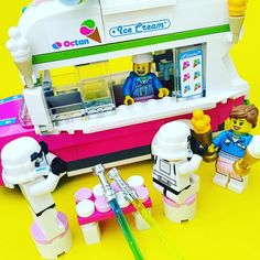 happy!!!   #lego#legos#legoland#legostarwars#legostagram#legophotography#starwars#stormtrooper#instalego#instaphoto#legomania#time#minifig#minifigs#minifigures#legominifigures#toy#brick#photo#picture#surprise#legogram#music#legomovie#icecream#happy# by legojis