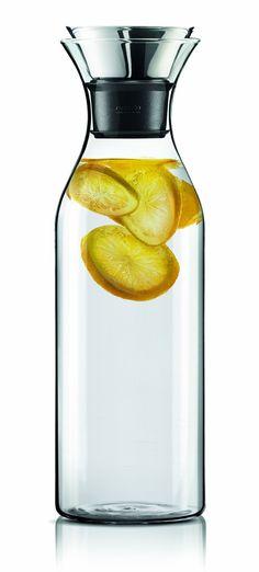 Die beste Karaffe Allerzeiten! Super geeignet für lecker Fruchtwasser oder frischen Tee: http://ohphoria.de/Geschenkideen/luxus-karaffe-von-eva-solo/ #geschenke #geschenkidee