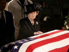 """Margaret Thatcher's last overseas engagement was to the state funeral of her good friend President Reagan: """"I have to say goodbye to Ronnie"""". Greatest Presidents, American Presidents, Us Presidents, 40th President, President Ronald Reagan, Margaret Thatcher, Reagan Thatcher, The Iron Lady, Nancy Reagan"""