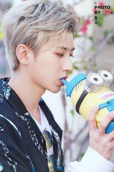 Cre: the owner/as logo Boy Idols, Boy Photos, Chinese Boy, K Idol, China, Ulzzang Boy, Future Boyfriend, Asian Boys, Kpop Boy