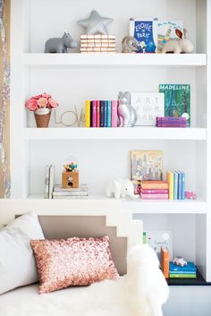 Now THIS is how you style a children's bookshelf: