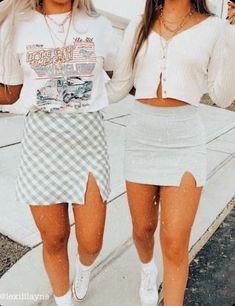 look at these fits⭐️ 𝚒𝚏 𝚛𝚎𝚙𝚘𝚜𝚝𝚎𝚍, 𝚐𝚒𝚟𝚎 𝚌𝚛𝚎𝚍𝚒𝚝 ✰ 𝚎𝚍𝚒𝚝𝚎𝚍 𝚋𝚢 𝚕𝚎𝚡𝚒𝚒𝚒𝚕𝚊𝚢𝚗𝚎 ✰ 𝚍𝚖 𝚏𝚘𝚛 𝚙𝚒𝚌 𝚌𝚛𝚎𝚍𝚒𝚝 Italian sw Trendy Summer Outfits, Cute Teen Outfits, Cute Comfy Outfits, Teen Fashion Outfits, Teenager Outfits, Retro Outfits, Simple Outfits, Look Fashion, Outfits For Teens