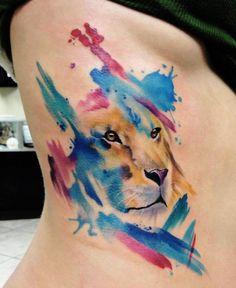 tatuagem leão aquarela