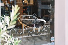 Fair fashion & Sustainable products: dat is waar Nukuhiva voor staat. Nukuhiva kiest bewust voor modelabels die produceren met respect voor mens en natuur. Kom langs in de winkels in Utrecht en Amsterdam voor fair trade kleding.