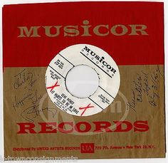 GENE PITNEY DOO WOP MUSICIAN WRITER AUTOGRAPH SIGNED RECORD SLEEVE W/ RECORD