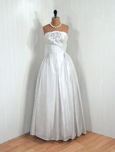 lovely 50's wedding dress