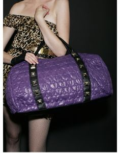 just ordered this on ebay. it'll make a cute diaper bag. *Seriously?!?! It's so huge, it might make a cute body bag.* LOL