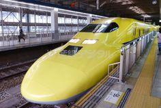 JR博多駅に入線するドクターイエロー=27日 ▼27Jan2015SankeiBiz|ドクターイエロー、走行中の車内公開 山陽新幹線40周年で http://www.sankeibiz.jp/business/news/150127/bsd1501271942012-n1.htm #Shinkansen_Doctor_Yellow #ドクターイエロー ◆Doctor Yellow - Wikipedia http://en.wikipedia.org/wiki/Doctor_Yellow