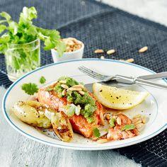 Korianteripesto | K-ruoka Kauniin vihreä korianteripesto valmistuu helposti ja maistuu ihanalta kalan kanssa. Kokeile myös leivän päällä tai pastakastikkeena.