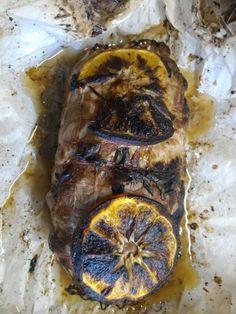 Ρολο χοιρινο γεμιστο με φρουτα κ ξηρους καρπους