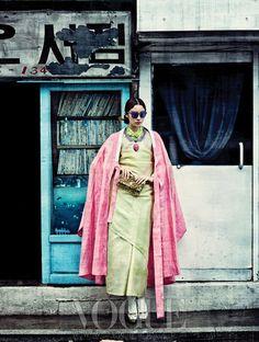 Design by Chai Kim Youngjin(hanbok) + Kim Young Seok(hanbok+hanbok acc)