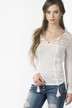 Long shirt with lace
