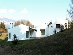 Rudolf Olgiati _ Houses Greece House, Macro And Micro, Village Houses, Mountain Homes, Architecture Old, Countryside, Facade, Farmhouse, Construction