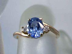 Anillo FacetWorld de zafiro con acentos de diamante blanco, $719