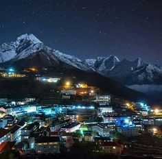 Breathtaking view of Namche Bazar at night 😍 Gateway to Everest 🗻 Countries Of The World, The World's Greatest, Nepal, Mount Everest, Travel Destinations, Mountains, Landscape, Country, Instagram Posts