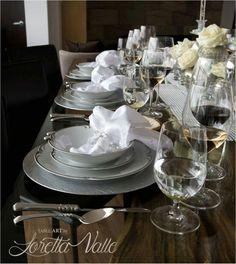 La cristalería es muy importante al montar una mesa y debe de ser de muy buena calidad.  #Riedel es una de las opciones que más utilizamos.  #tableart #lorettavalle #pasiónporlosdetalles #hacemosdeloordinarioalgoextraordinario