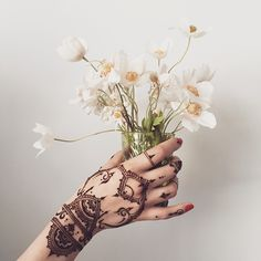 veronicalilu Summer feelings ☀️ #henna glove #veronicalilu