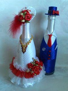 Wedding Wine Bottles, Champagne Bottles, Wine Bottle Art, Wine Bottle Crafts, Bridal Wine Glasses, Christmas Wine Bottles, Jar Art, Glitter Wine, Bottle Painting