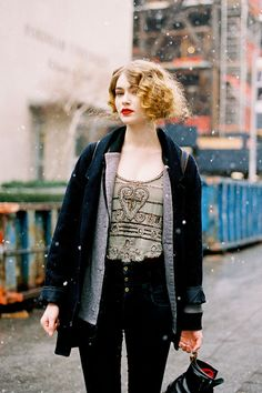 loving this - finger waves, curly hair and red lipstick fabulousness
