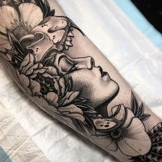 ome healed some fresh! Thanks Riley Portrait Tattoo Sleeve, Tattoo On, Piercing Tattoo, Tattoo Drawings, Sleeve Tattoos, Piercings, Tatto Floral, Dope Tattoos For Women, African Tattoo