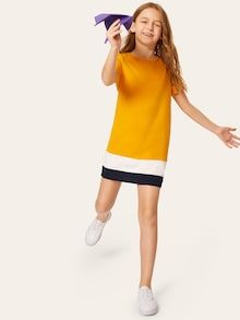 To find out about the Girls Colorblock Round Neck Tunic Dress at SHEIN, part of our latest Girls Dresses ready to shop online today! Houndstooth Dress, Colorblock Dress, Smock Dress, Belted Dress, Types Of Sleeves, Dresses With Sleeves, Fashion News, Girl Fashion, Kid Styles