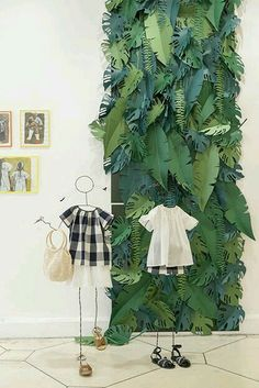 Paper Jungle Leaf Background