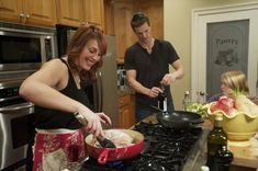 Felida WA family paleo and proud  Blogger, family say they're healthier since focusing diet on meat, fruit, veggies