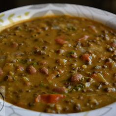 Restaurant style Dal Makhani Recipe with step by step process - It is a creamy, rich and flavorful lentils made with whole black lentil, red kidney beans with authentic spices and butter. It goes very well with naan, roti, paratha or rice too. Urad Dal Recipes, Paneer Recipes, Veg Recipes, Indian Food Recipes, Cooking Recipes, Makhani Recipes, Punjabi Recipes, Cooking Hacks, Food Hacks