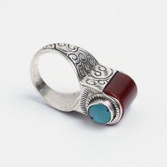 Inel Pokhara, argint, carneol și turcoaz tibetan, Nepal  #metaphora #silverjewelry #silverjewellery #nepal #rings   #turquoise #carnelian Nepal, Tibetan Jewelry, Tribal Fusion, Carnelian, Gemstone Rings, Turquoise, Gemstones, Earrings, Jewellery