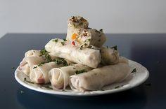 Ensinamos a receita de um Rolinho Vietnamita com sabor Tailandês e deu muito certo! A receita é super fácil, saudável e ficou uma delícia!